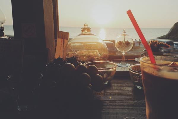 日東マリンランプ 海に沈む夕陽が見れるカフェ